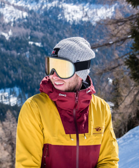 SG Snowboards Webshop - 3 Layer Jacket yellow red Justin Reiter in Italy Carezza pic by Thomas Monsorno