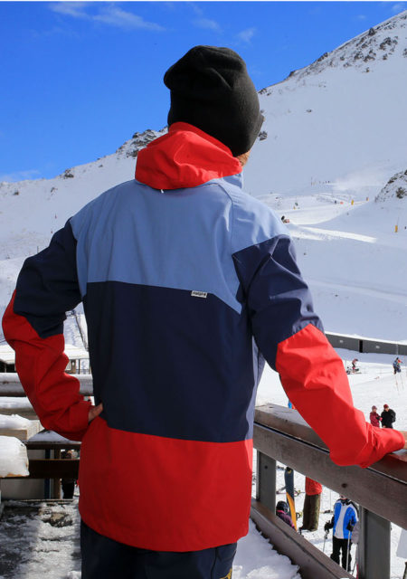 SG Snowboards Webshop - SG SOFTSHELL SNOWBOARD JACKET colorblocking red blue pic by Isamu Kubo3